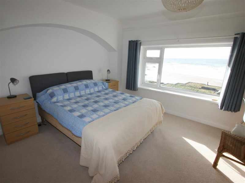 Kingsize double bedroom