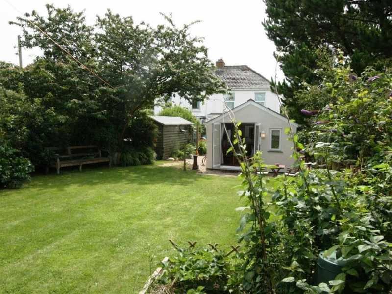 Esterno della proprietà e del giardino