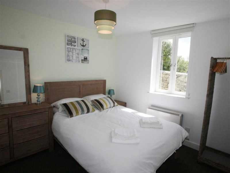 Master-Schlafzimmer mit 5ft Doppel