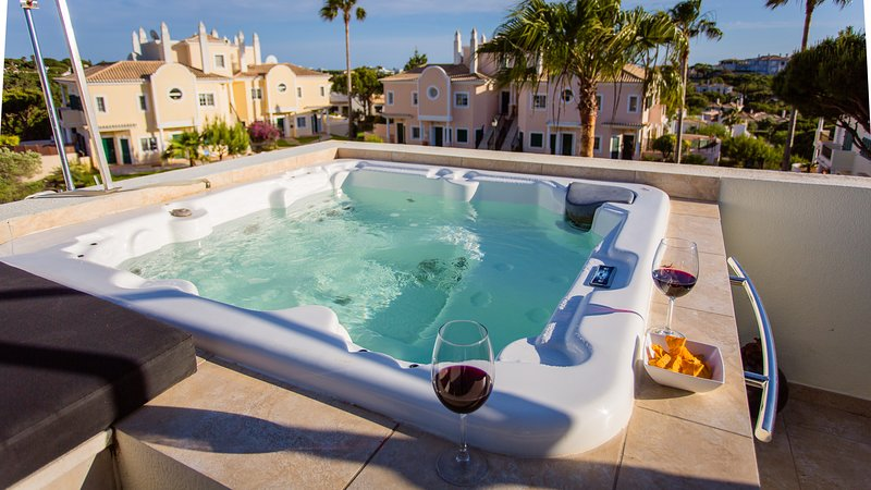 Casa Ch'i Rooftop Jacuzzi