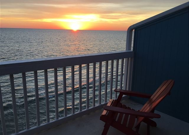 Master deck - sunsets are spectacular