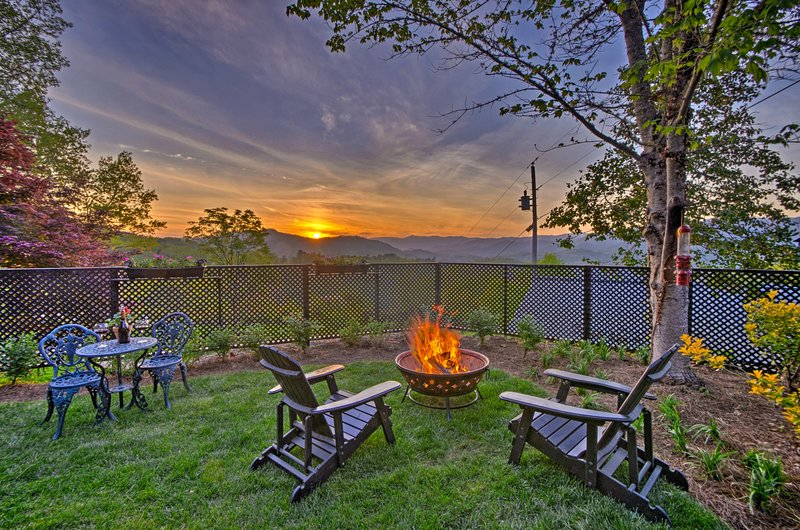 Unbelievable, mountain-view sunsets await you from the backyard oasis.