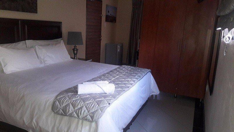 Ametis Guest House Queen Front Terrace Room - Shower Only, location de vacances à Emalahleni