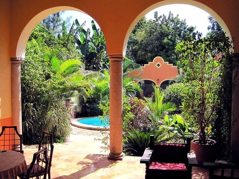 Tranquil Tropical Oasis In The Historic Center, vacation rental in Merida