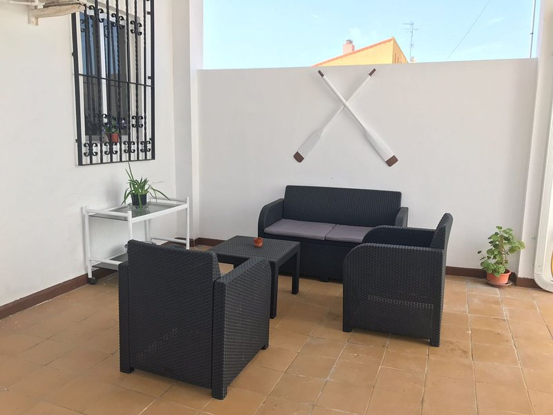 CASA EUGENIA VIÑES 72, holiday rental in Montroy