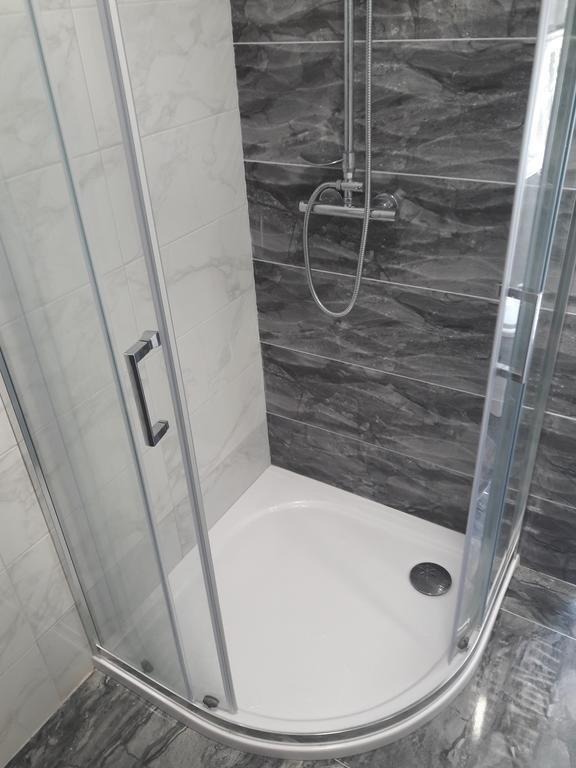 SA1 (2 + 2): badrum med toalett