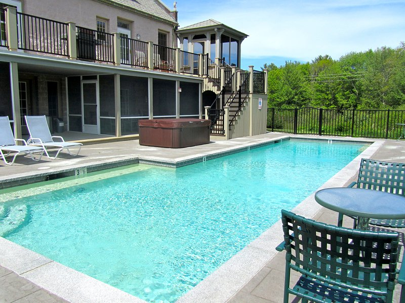 Beauport Inn, Ogunquit Maine Bed and Breakfast, Pool