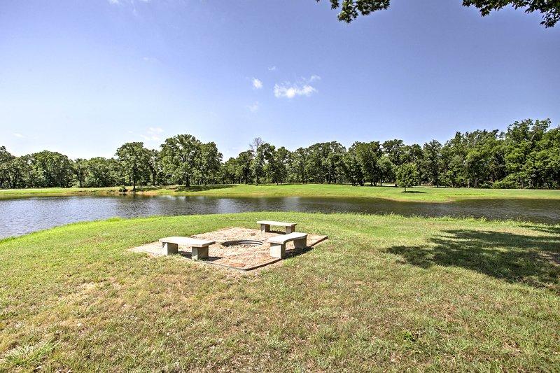Dit vakantiehuis is gelegen op een 80-acre paardenfokkerij en natuur te behouden!