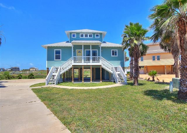 Fabulous beachfront home with ocean views!, vacation rental in Corpus Christi