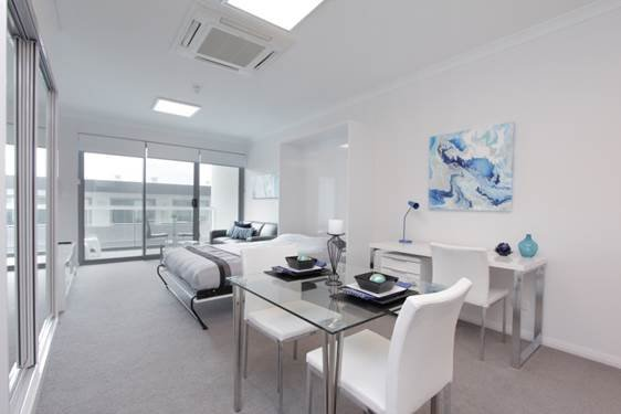 Modern and New Studio Apartments A/C - Wi-Fi, vacation rental in North Perth