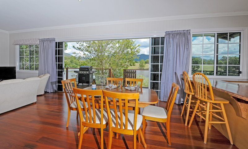 Midway Cottage, Samford Lakes, vacation rental in Mount Glorious