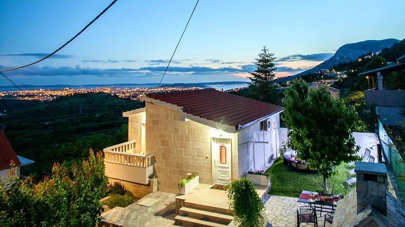 Holiday House LIRA, vacation rental in Klis