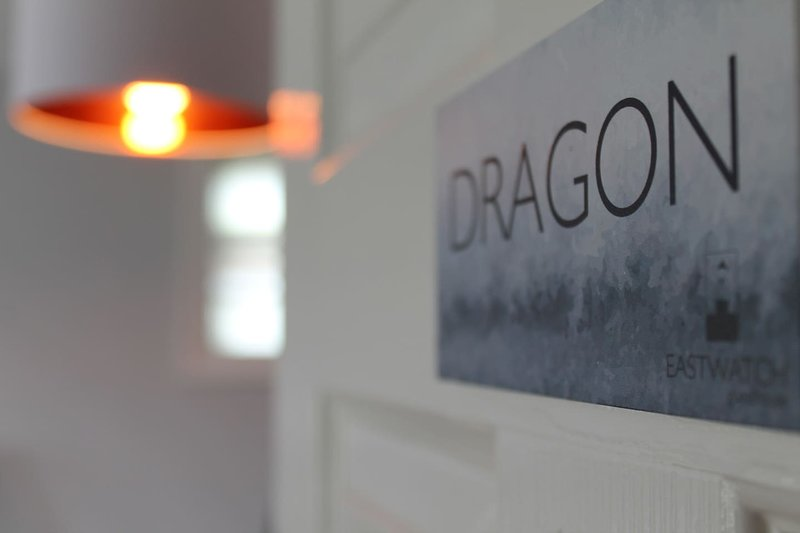 Eastwatch Dragon Bedroom and En-Suite, vacation rental in Berwick-upon-Tweed