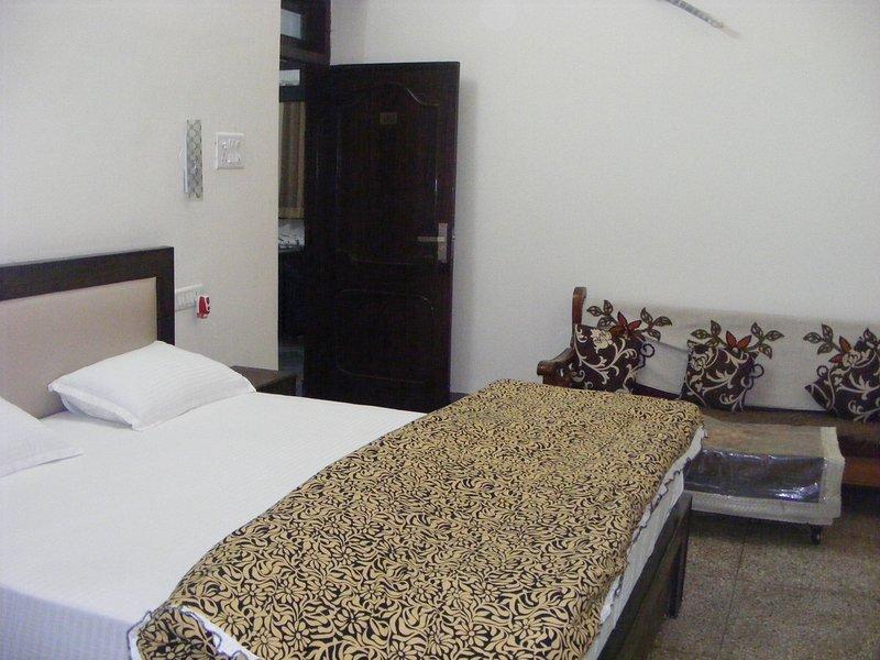 Vacation - Bedroom 6, holiday rental in Amer