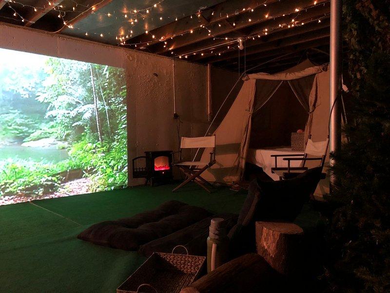 Scegliere tra una selezione infinita di temi vacanza e film da guardare sul grande schermo 13 ft!