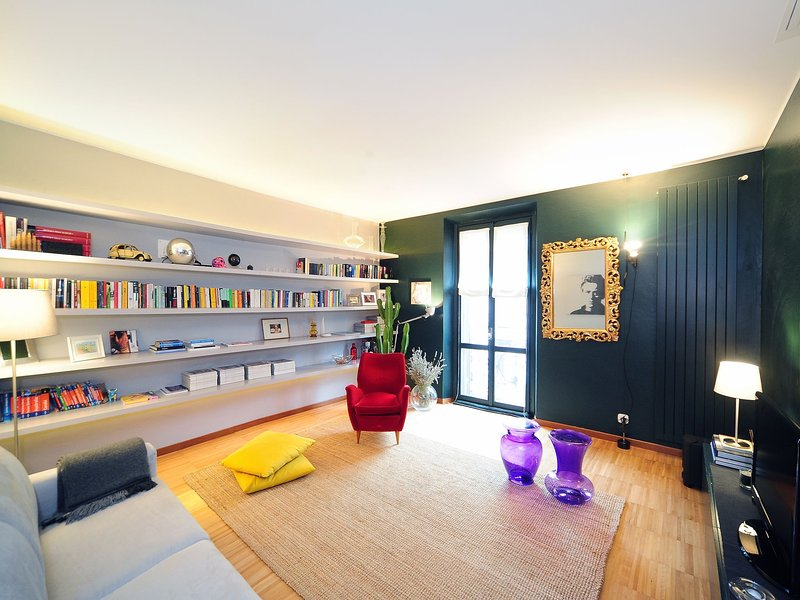 Urban District Apartments - Milan Downtown Isola (1BR), holiday rental in Brusuglio