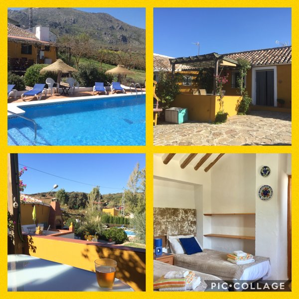 Villa with heated pool, outdoor bar, 2 en-suites, suit  2 couples, WIFI, BBQ etc, Ferienwohnung in Antequera