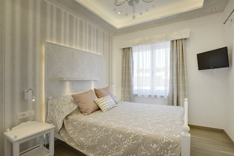 New Apartment Antique, vacation rental in Pula