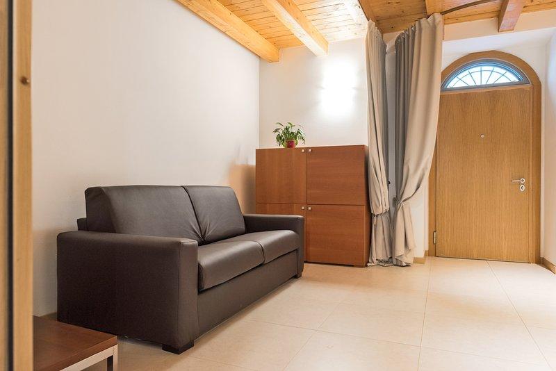 Dimora San Zeno 7 - con 4 posti letto, holiday rental in San Massimo