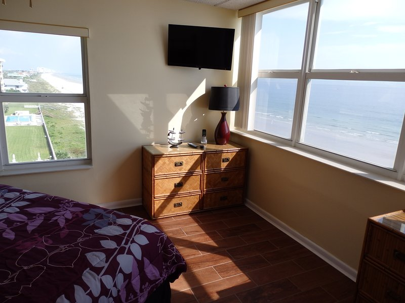 6th floor 2bd 2ba direct ocean/beachfront condo on no drive beach, vacation rental in Ponce Inlet