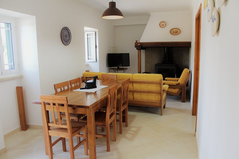 Casa da Maria Moça - Charming country in Atouguia - Fátima 6 persons, Ferienwohnung in Fatima