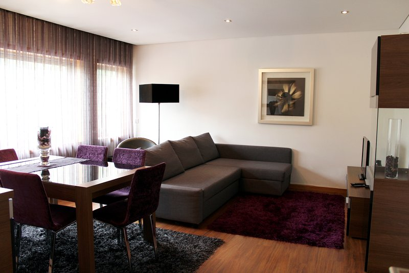 FeelCoimbra - Apartment Purple, vacation rental in Coimbra