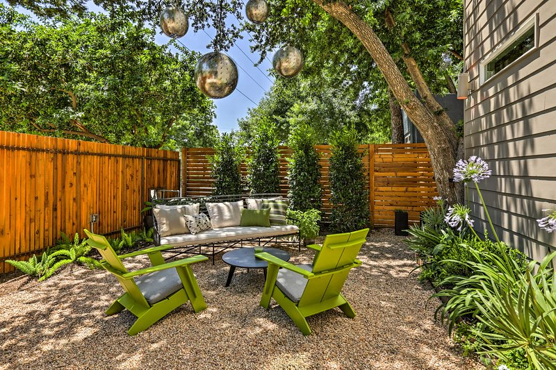 This serene outdoor space will easily become your group's favorite hangout.