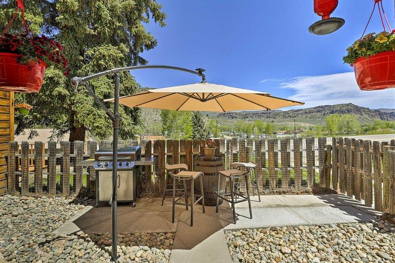 Escapar a las Montañas Rocosas y estancia en este pintoresca casa de campo vacaciones!