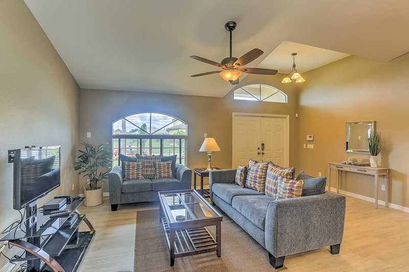 Bring the family to Florida and stay at this Cape Coral vacation rental house!