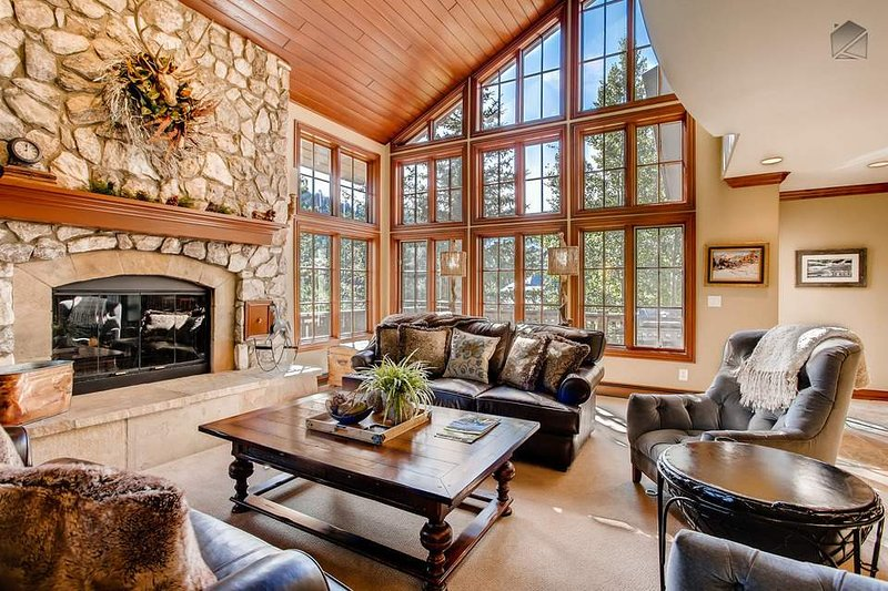 Your expansive living room lies on the third floor, and is a perfect location for the start of your Beaver Creek vacation.