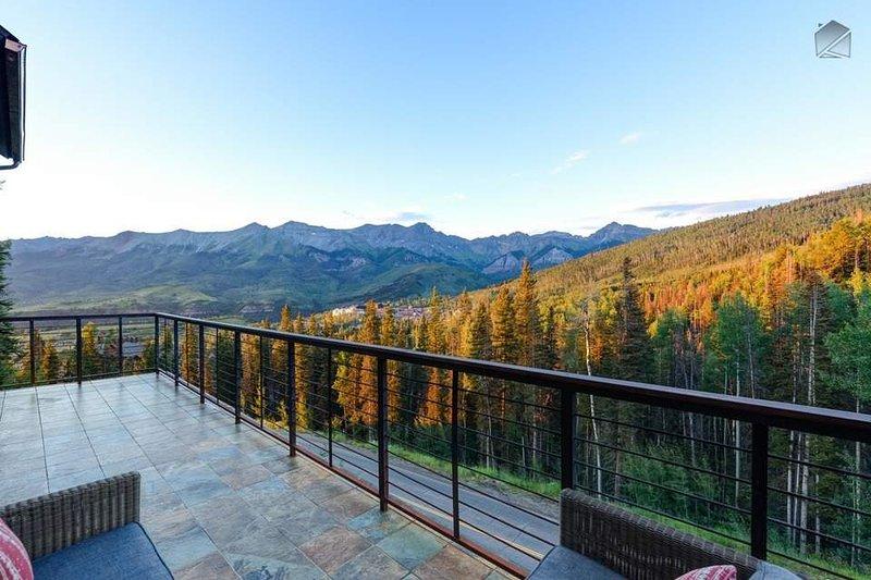 Non si può decidere di lasciare il vostro balcone privato quando si vede questo punto di vista per voi stessi.