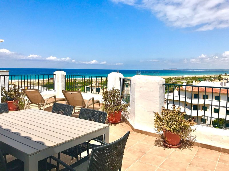Ático en primera linea de playa con vistas al mar, holiday rental in Zahara de los Atunes