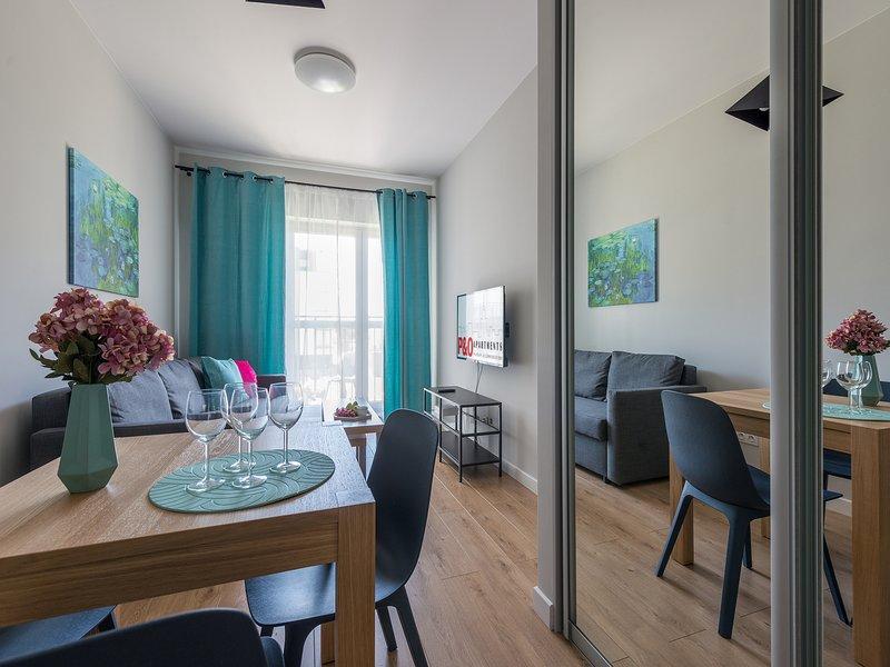 1 Bd Apartment - Bakalarska 3, casa vacanza a Piastow