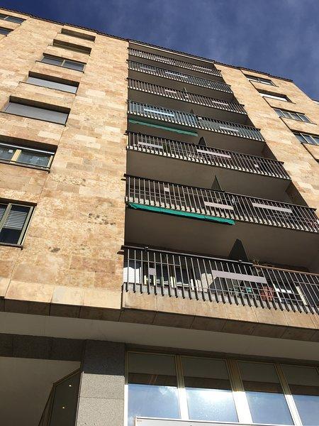 Plaza España. Con garaje. VUT.37/236, holiday rental in Encinas de Abajo
