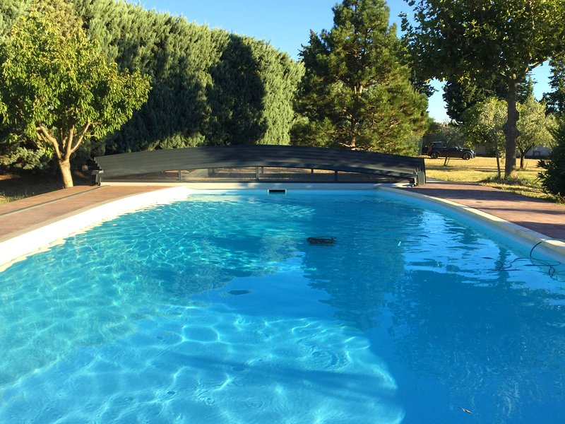 Amazing house with pool access, vacation rental in Roquemaure