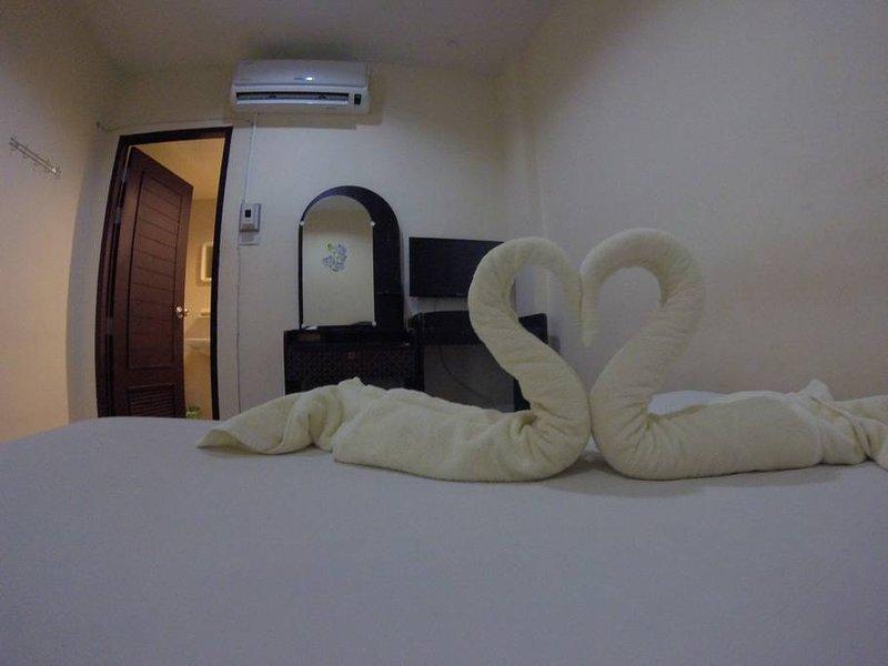 Sleep Inn ^_^ tiny place at AoNang, vacation rental in Railay Beach