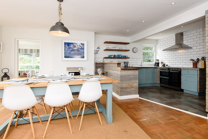 Lovely bright modern  and well equipped open plan kitchen and dining area