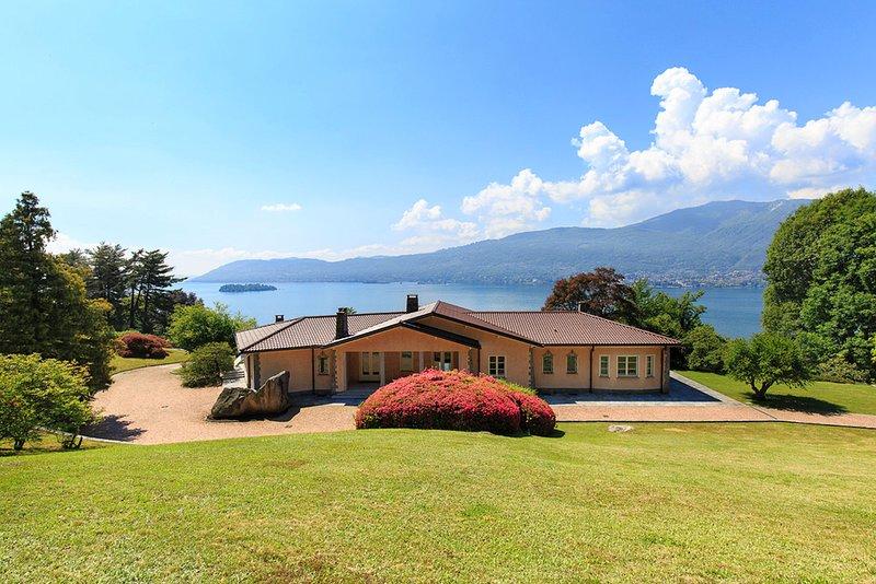 Villa Letizia, Suna Pallanza Lake Maggiore - NORTHITALY VILLAS vacation villa rentals