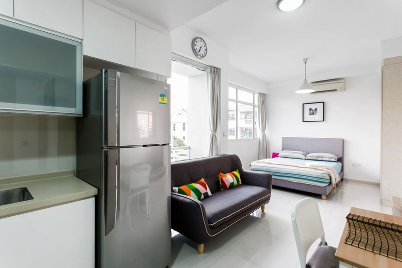 Washer Housekeeping Included Holiday Rental In Singapore