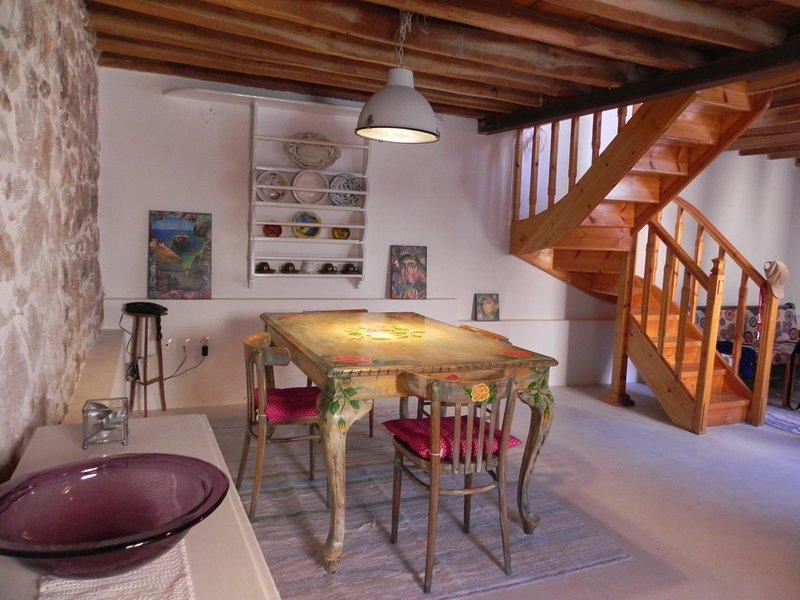 Künstlerhaus 'TundeArt House' im traditionellen Dorf, holiday rental in Tavari