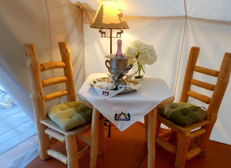 Glamping Suite - Room service.
