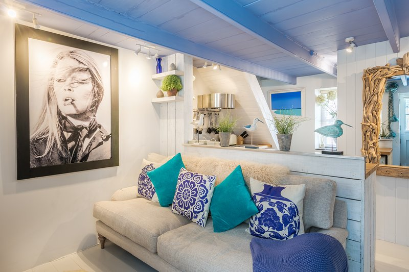 Blue Moon - A Boutique St Ives Hideaway, vacation rental in St Ives