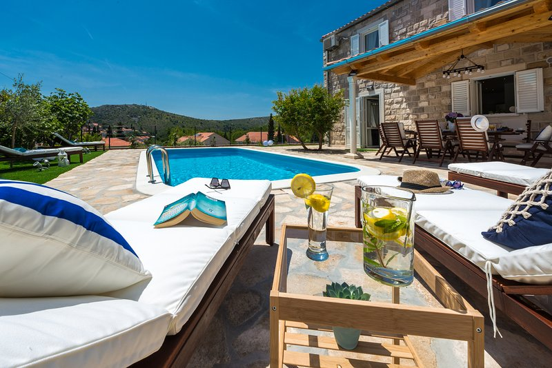 Villa Luna, holiday rental in Mlini