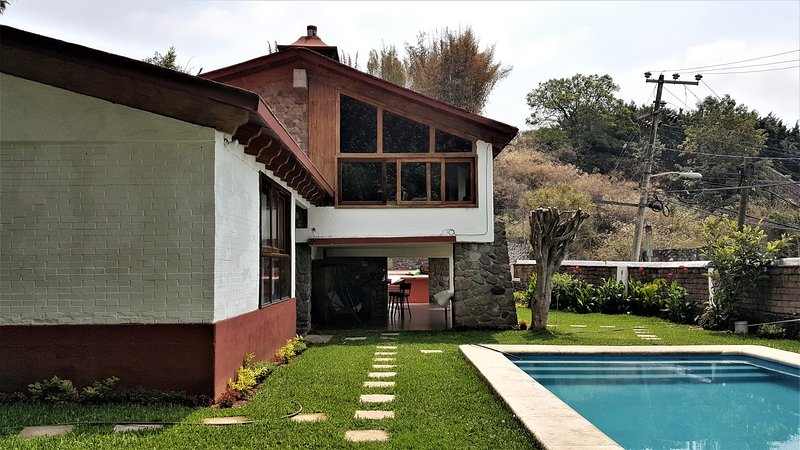Renta casa en cuernavaca alquileres de vacaciones en for Renta casa minimalista cuernavaca