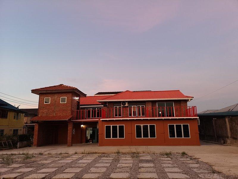 Kenyalang Urban Lodge, holiday rental in Kota Samarahan