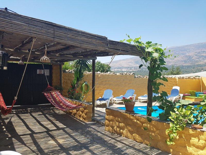 CASAS AMARO, holiday rental in Carataunas