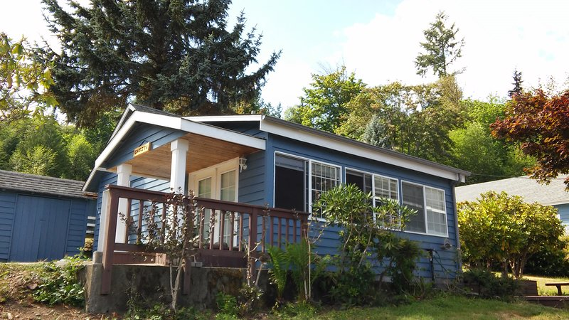 Ocean Beach Casita Situated on South Puget sound waterfront