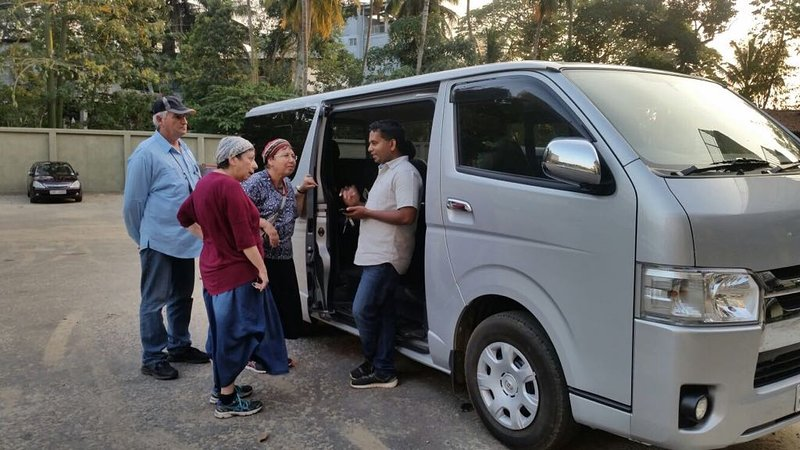 Tourist drivers with vehicles, holiday rental in Kurunegala