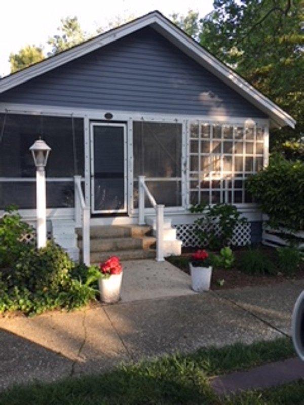 The Oak Cottage - 16 Oak Avenue - Minder dan de helft van een blok naar de oceaan