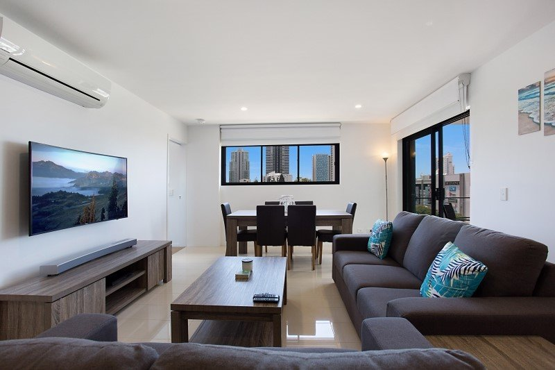 Brand New Luxury Apartment in Broadbeach Waters, holiday rental in Mudgeeraba